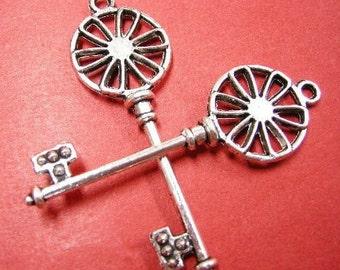 2pc antique silver metal large key pendant-4860