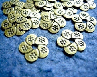 50pc flower shape antique bronze metal finding-933