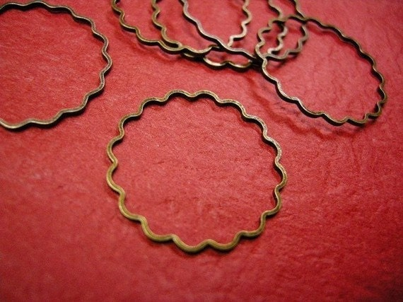 12pc 25mm antique bronze flower smooth loop-221A