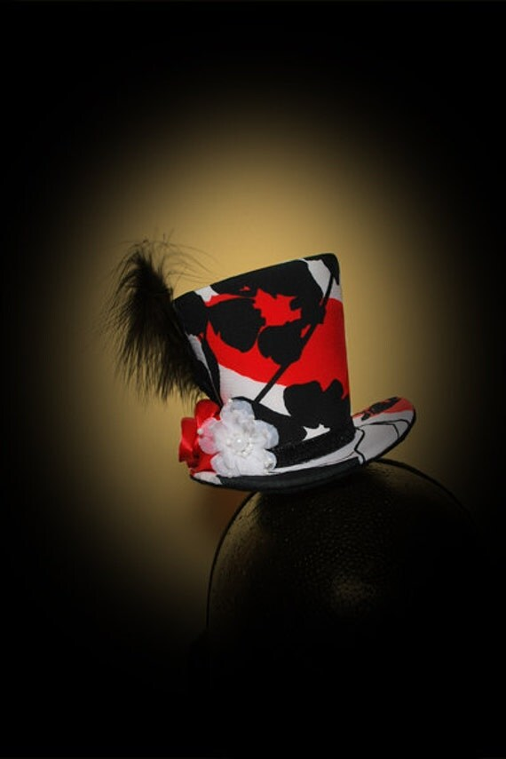 Burlesque, Gothic, Steampunk, Victorian, Showgirl, Moulin Rogue, Mini Top Hat Red, Black and White, Black Ribbon