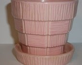 McCOY Basket Weave Flower Pot - Pink with drip tray