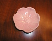 FLOWER shaped dish, tray, plate, POTTERY in Pink