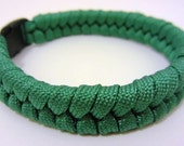 Survival Bracelet made from 550lb breaking strain Green Paracord