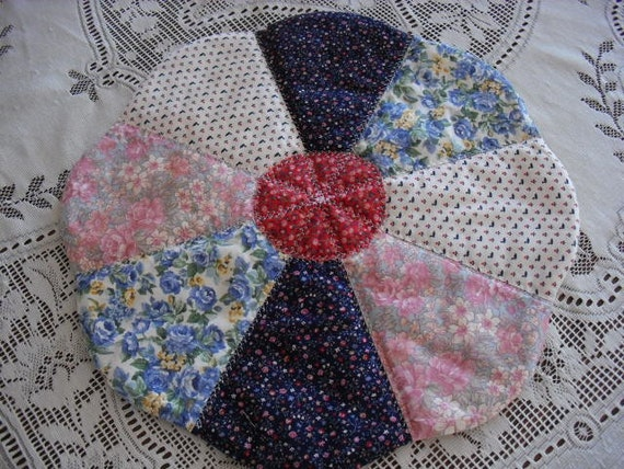 Dresden Plate Handmade Reversible Machine Quilted Table Runner Mat Patchwork - Free Shipping