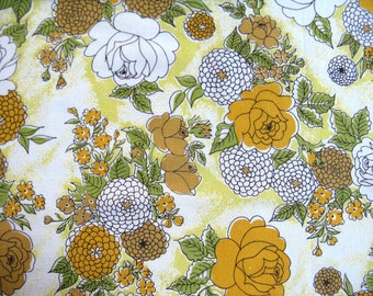 Vintage Sheet Fabric Fat Quarter - Yellow Roses and Mums - 1 FQ