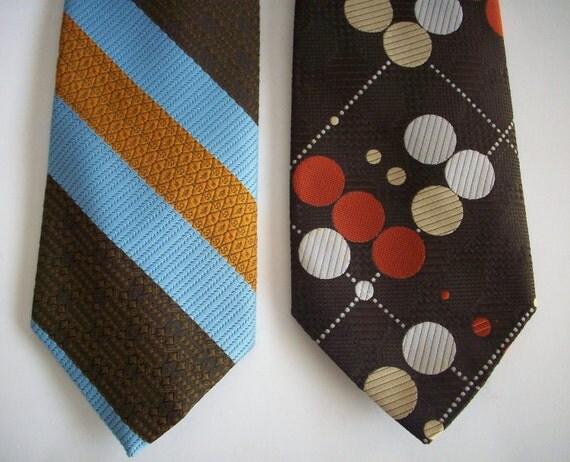 Vintage Necktie Pair of Snapper Clip On 70s