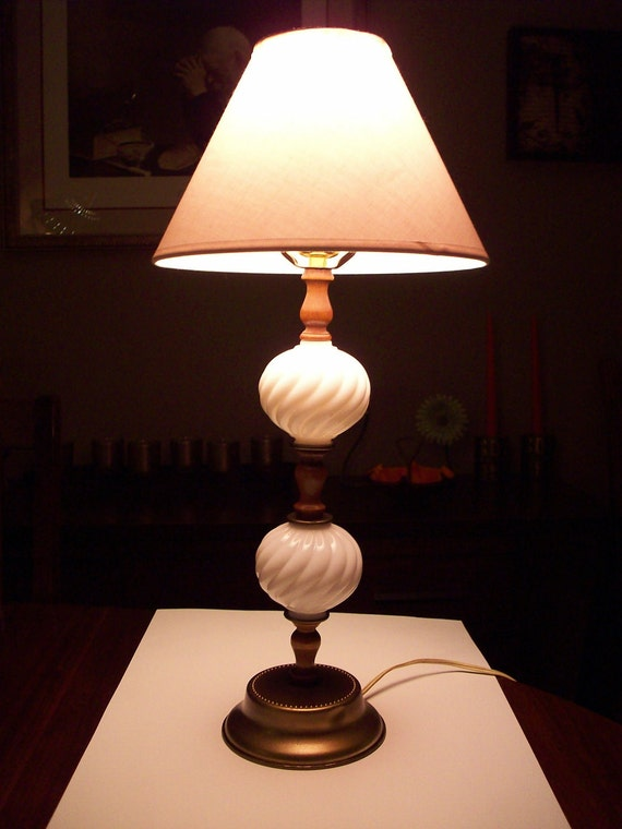 Vintage Lamp White Swirl Glass Light Table Lamp Milk Glass with Wood Lamp