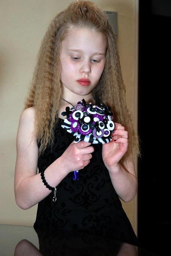 Button wedding bouquet. Bridesmaid. Black, white and purple. Tim burton inspired. Halloween bride.