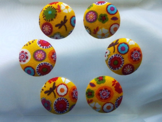 Happy day,set of 6 pieces fabric covered buttons (for quilting,pillows,dresses,bags,hairclips or other ideas)