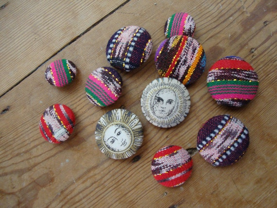 Vintage Buttons lot Sewing Buttons 80s Fabric Covered Guatamalan Fabric