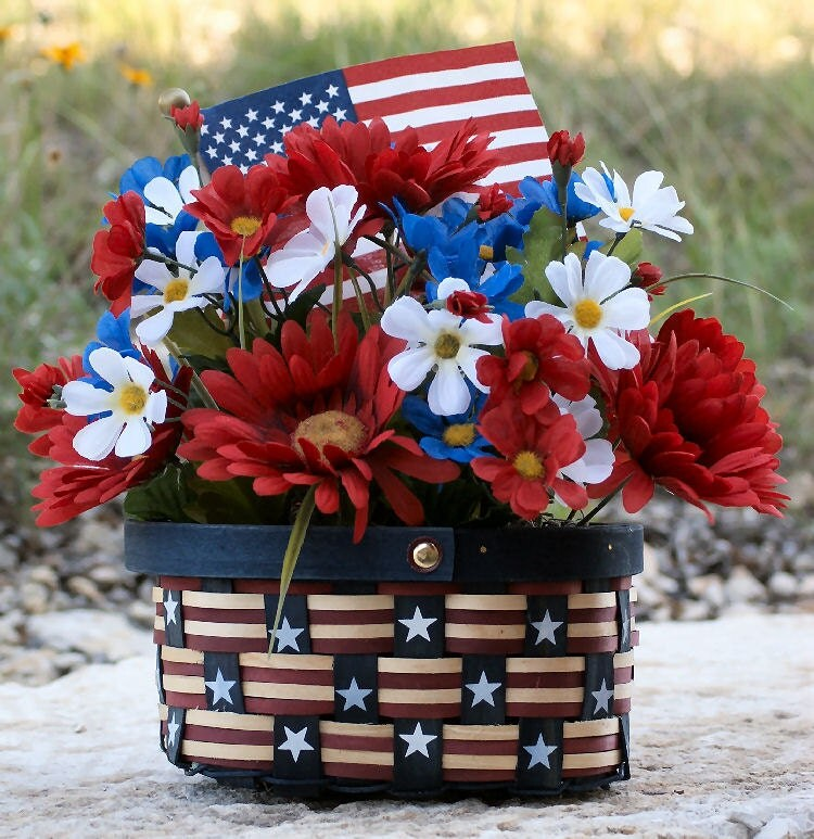 Patriotic summer home decor 4th of july basket red for Patriotic home decorations