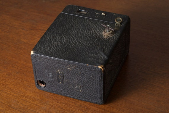 SALE: Vintage Kodak Brownie Camera, just pay for S&H