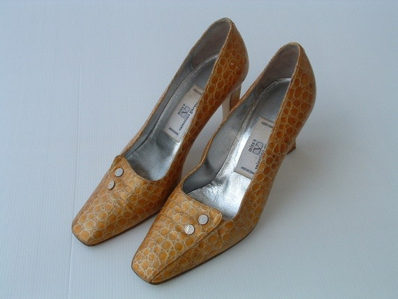 """VALENTINO leather shoes size 39 made in Italy circa 1992""""s"""