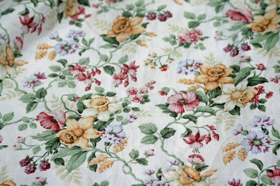 Pair of Vintage English Country Floral/ Fowery Curtains