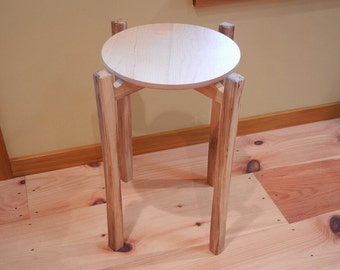 Maple round topped end table