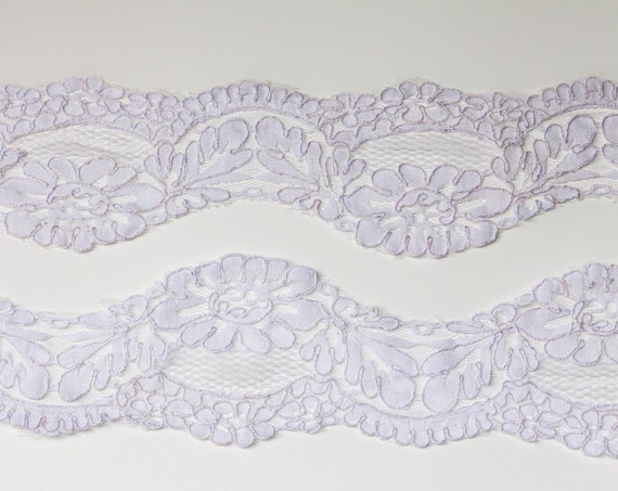 4 7/8 Yards Vintage Venice Style White Trim. AB Piping, Scalloped Edges, Floral Pattern. Item 0124