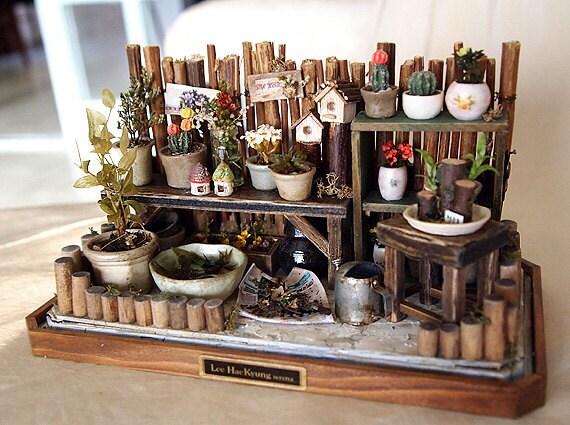 Vintage small Garden Spring nature- Flower, Plants, Pot- Dollhouse Miniatures 1/12
