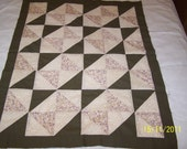 Olive Garden Pinwheel Baby Quilt Top or Wall Hanging
