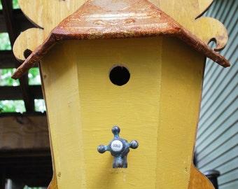 PRICE REDUCED!!  Fluer d Luer garden bird house