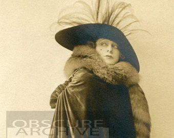 MRS WHITE - stunning portrait of a high society beauty from the 1920s - from a vintage photograph