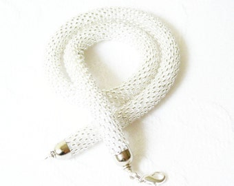 White Choker/ Wedding jewelry/Beaded Rope Necklace/Crochet Accessories for brides