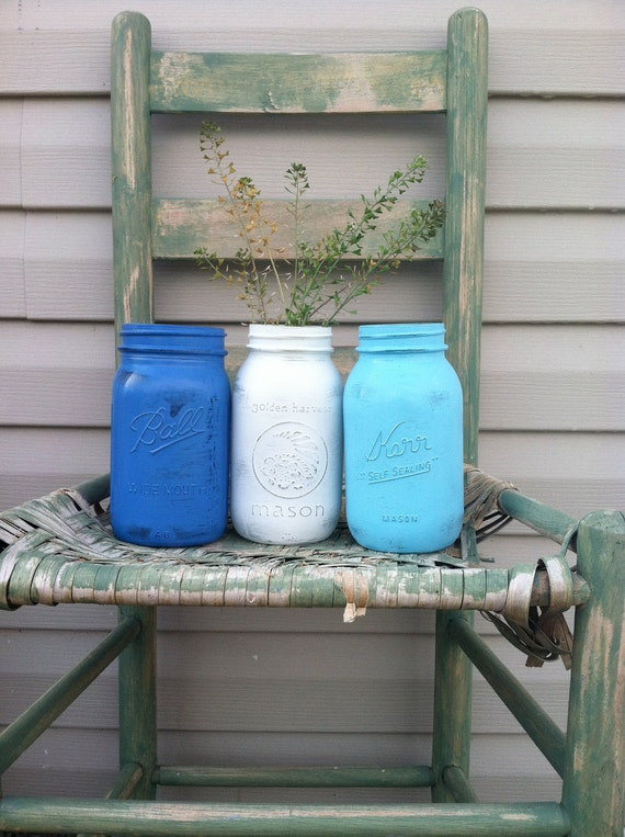 Beach Blue Painted Mason Jars / Vintage Kitchen / White & Blue