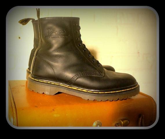 Vintage 1990s Doc / Dr Martens Black Greasy / 8 Eye Leather