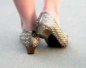 Bronze Low Heel Shoes. Vintage woven leather flats by Margaret Gerrald. Size 9. Summer Flats. Gold Bronze White Brown