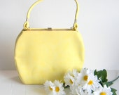 Structured Purse SALE Vintage 60s Yellow Rugged Bag Handbag Leather Purse Summer Bag Mad Men Fashion. Back to School. Fall Autumn Spring