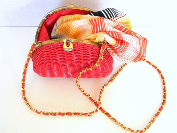 RESERVED for OursSeries. Bright purse Summer Bag SALE Shoulder Bag Woven bag  Vintage Handbag Gold Metal Red Plastic