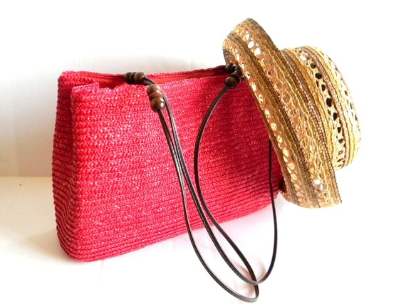 Vintage Straw Handbag. Summer Tote. Shoulder Bag 70s Mad Men Handbag. Red Staw Purse. Brown Beaded Bag Primary Color. Resort Vacation