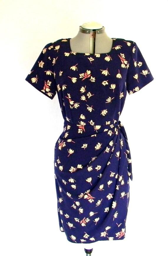 Summer SALE Vintage Dress Size 8 Lotus Summer Dress Floral Print. Wrap Skirt. Mad Men Dress. Navy Blue Dress Vacation Summer Fashion.