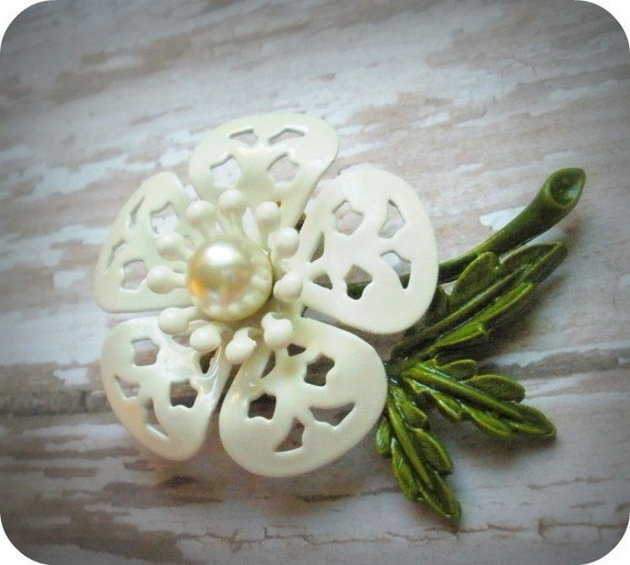 Vintage Enamel Flower Brooch, White and Green, Faux Pearl Accent