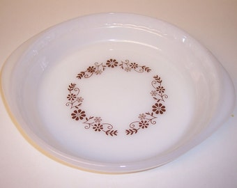 Vintage Dynaware, Pyr-o-rey, cake pan, cake plate, milk glass, brown flowers
