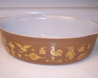 Vintage Pyrex Early American large oval casserole dish 2 1/2 Quart