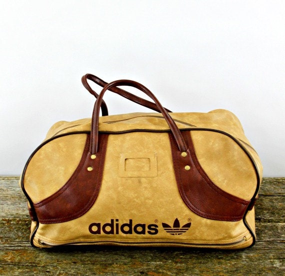 vintage Adidas bag, large, amazing condition, perfect retro carryall for gym, yoga or overnight