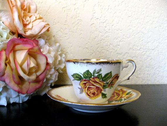 vintage rose teacup and saucer set : royal standard fine bone china from england