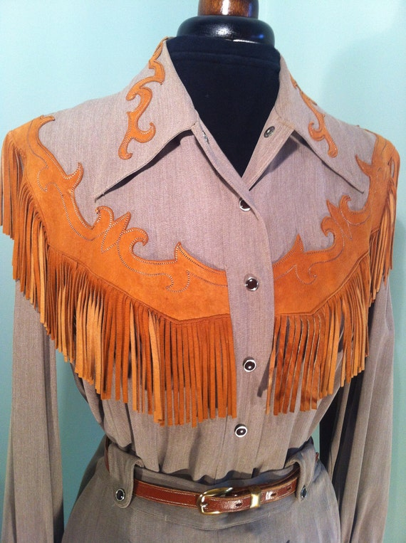 Original 1950s vintage brown Rayon Gabardine western suit with suede fringes - Hillbilly Westerns - size Small / Medium
