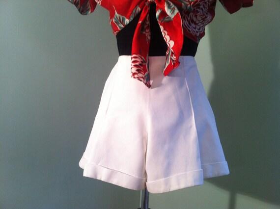 Vintage 40s 50s white gabardine pinup girl High waist shorts size S/M
