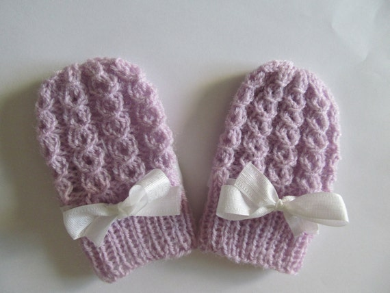 Knitting Pattern For Tiny Baby Mittens : PDF Knitting PATTERN Baby Thumbless Mittens Infant by Lacywork