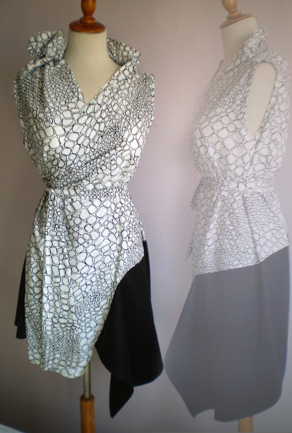 Wrap dress or tunic in white and black stretchy cotton by FedRaDD on Etsy