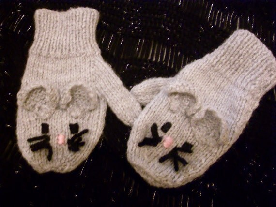 Childrens novelty mouse mittens gloves (to fit approx. 3-5 years) Hand knitted