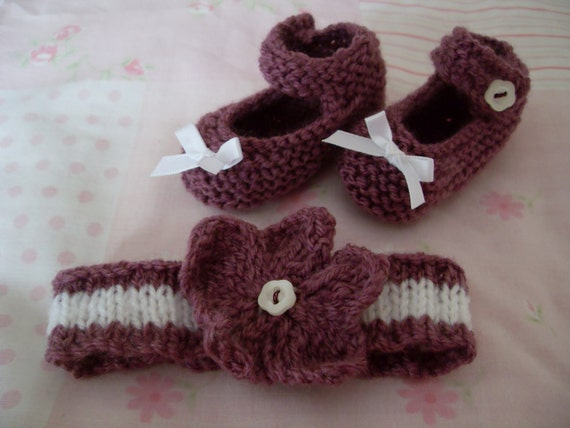 Hand knitted Newborn Baby Girl Gift Set. Mary Jane shoes & headband. Photo Prop. Baby shower gift , reborn doll. Holiday gift.