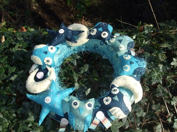 Night Owl wreath for wall, door or table top