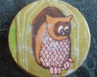 Vintage  Decoupaged Owl Pin  Costuime Jewelry ECS
