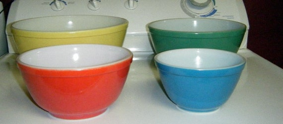 1950's Pyrex Primary Colors Mixing Bowl Set Of Four