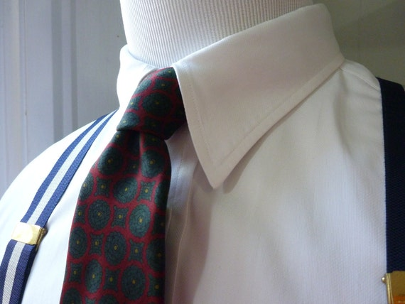 Vintage Brooks Brothers MAKERS All Silk Geometric Medallions on Red Trad / Ivy League Neck Tie.  Printed in England.