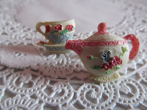 Tea pot and cup earrings