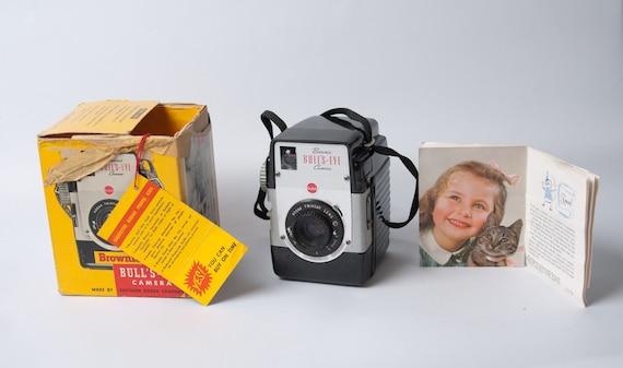 Vintage Brownie Bullseye Camera