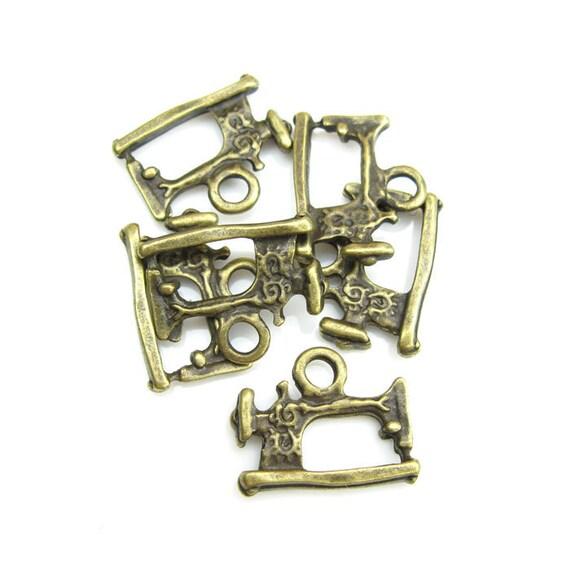 12pcs - Sewing Machine - 18mm x 15mm - Antique Bronze Brass - Charm Pendant Connector Locket  - F121